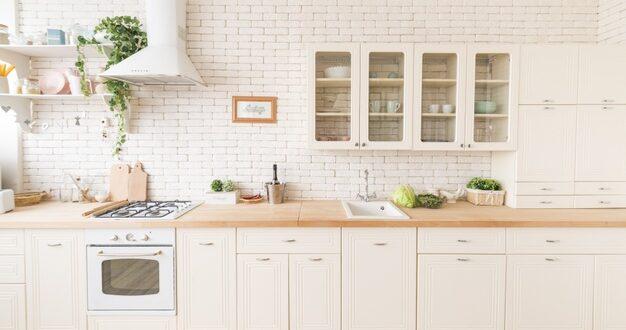 Aranżacja kuchni w bieli – czy to dobry pomysł?